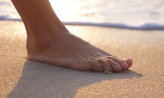Tipy na starostlivosť o chodidlá na dovolenke